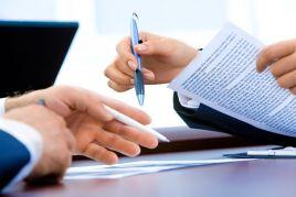 Image de Agent commercial : doit-il obligatoirement négocier les prix ?